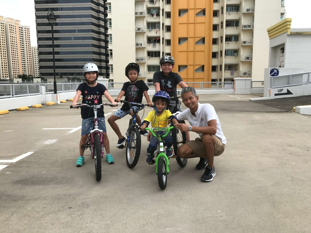 Four kids learnt to cycle in two hours, and had great fun doing it!